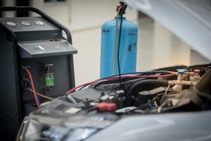 AC mobil menjadi tidak dingin padahal baru isi freon