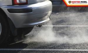 Faktor Utama Penyebab Asap Mobil Bau Bensin Serta Solusi untuk Mengatasinya