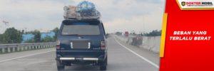 Mobil yang Harus Membawa Terlalu Banyak Barang Akan Mengalami Kendala Tidak Kuat Nanjak