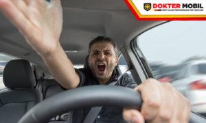 Banyak Faktor Penyebab Tarikan Mobil Berat saat Menekan Pedal Gas