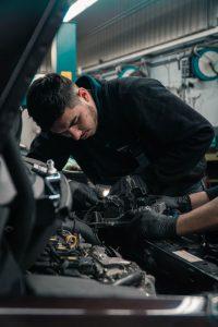 penyebab rpm tinggi pada mobil karburator